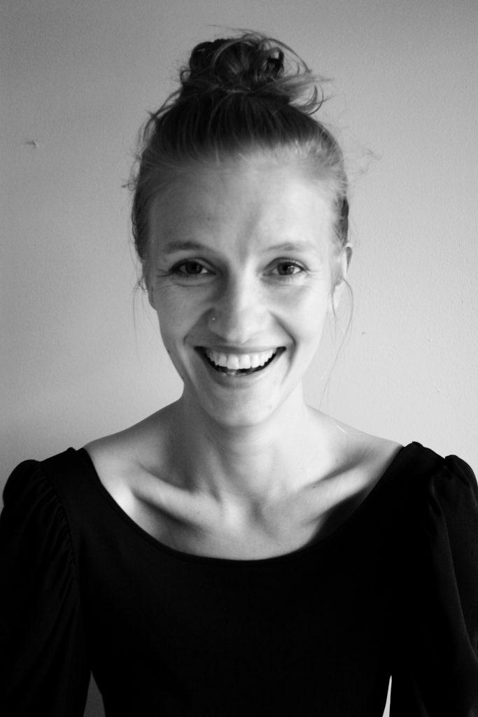 Hylkeen kirjoittaja näytelmäkirjailija ja dramaturgi Marie Kajava