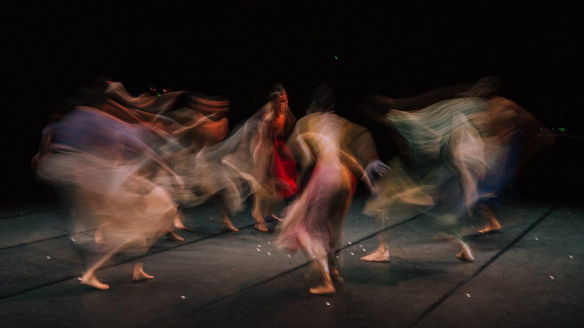 Dances of Death, tanssijoita näyttämöllä